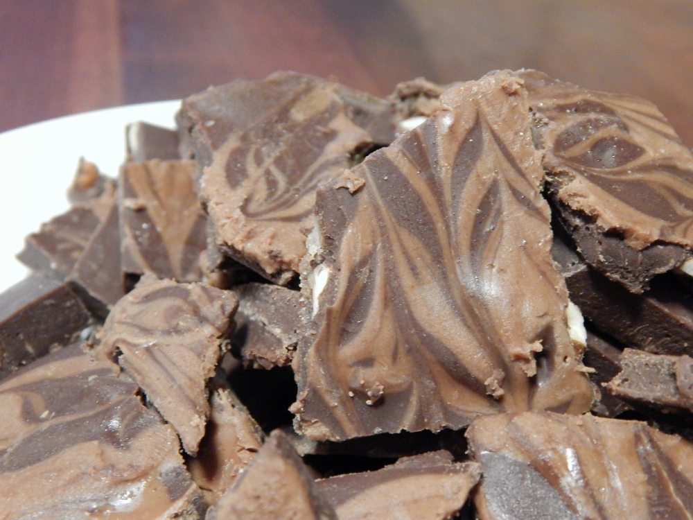 Choco-Peanut-Butter Candy Bark! (2/2)