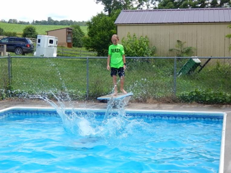-Allison(pool) 056 (1024x768)